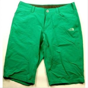 The North Face Women's Capri Shorts 6 Solid Green